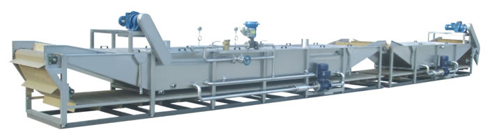 Continuous water soaking sterilizer